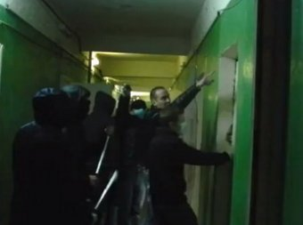 Общежитие мигрантов в Капотне пытались взять штурмом со стрельбой