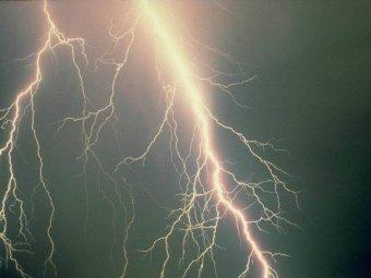 В Индии более 30 человек погибли от удара молний