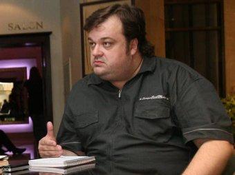 """Телекомментатор Уткин """"хотел бы каждый день макать Лукашенко в унитаз"""""""