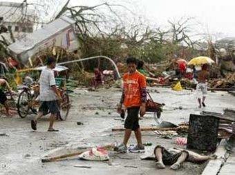 Полиция: тайфун на Филиппинах убил 10 тысяч человек