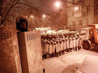 Милиция «штурмует блокпосты» оппозиции в Киеве