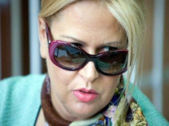 Васильева, признавшись в личных отношениях с Сердюковым, расплакалась