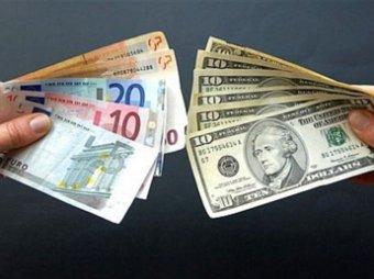 В России курс евро поднялся до 48 рублей, достигнув исторического максимума