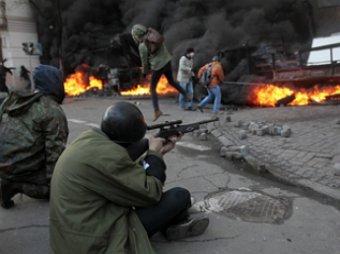 В Киев, охваченный беспорядками, вводят войска: 9 погибших