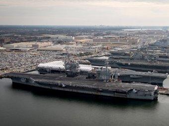 На борту американского эсминца застрелили матроса