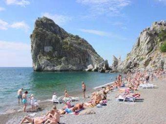 Единороссы своим примером покажут россиянам, как хорошо отдыхать в Крыму