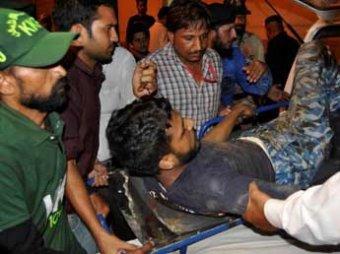 В Пакистане боевики напали на аэропорт города Карачи: 27 погибших