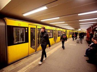 Пара занялась сексом в метро берлина