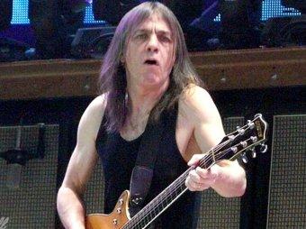 СМИ: один из основателей легендарной AC/DC лечится от слабоумия