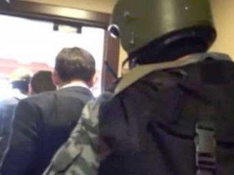 Следователи нагрянули с обыском и изымают документы в офисе компании «Су-155»