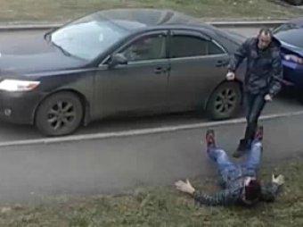 В Петрозаводске мужчина жестоко избил соседа за неправильную парковку
