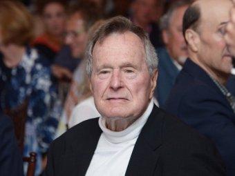 Джордж Буш-старший госпитализирован в США