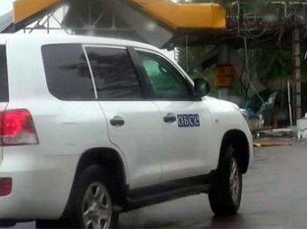 Миссия ОБСЕ попала под обстрел в донецком аэропорту