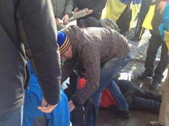 В Харькове произошёл взрыв во время мирного шествия: двое погибших