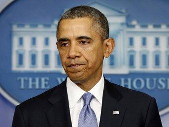 Обама едва не упал с трапа самолета