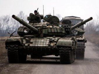НАТО обвинила Россию в поставках ополченцам танков Т-90