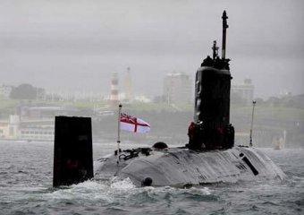 Британская подлодка в погоне за российскими кораблями столкнулась со льдиной