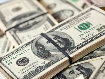 Курс доллара на торгах перевалил за 54 рубля