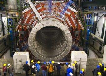 Большой адронный коллайдер перезапущен для поиска темной материи