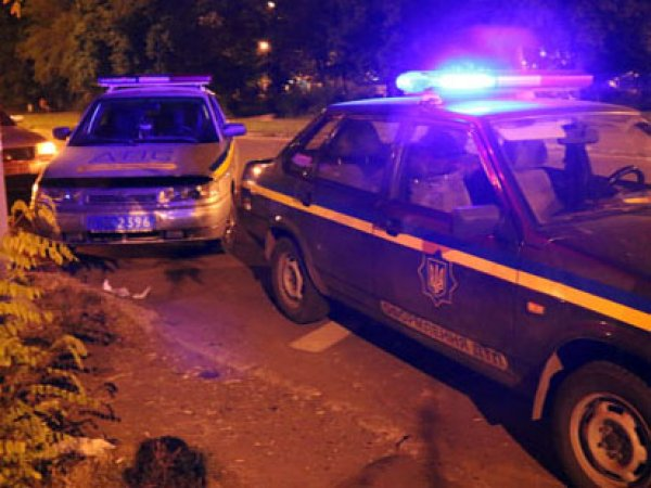 В Мариуполе пьяные бойцы «Азова» устроили ДТП на скорой: один человек погиб