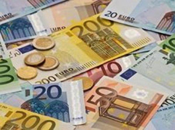 Курс евро превысил 62 рубля впервые за две недели