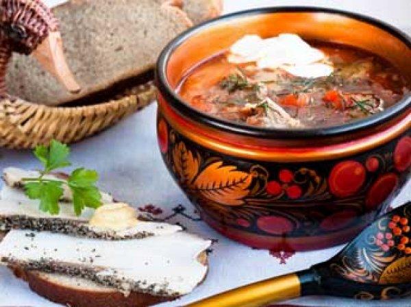 Депутаты Госдумы намерены обязать рестораны включить не менее 50% русских блюд в меню