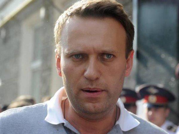 Навального снова закидали яйцами в Новосибирске