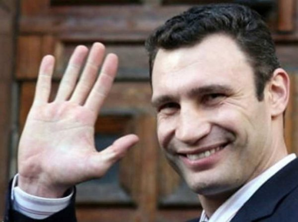Кличко предложил призеру Европейских игр селфи вместо квартиры