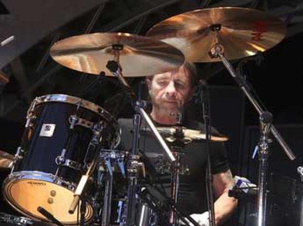 Барабанщика AC/DC арестовали спустя неделю после домашнего ареста
