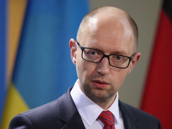Яценюк заявил, что Украине больше не грозит дефолт