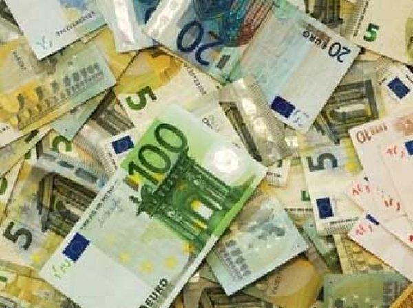 Курс доллара и евро на 7 августа 2015: эксперты уверены, что сегодня определится судьба рубля