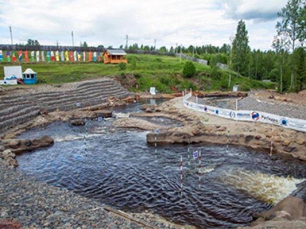 Лавров и Губерниев сплавились по новгородскому каналу
