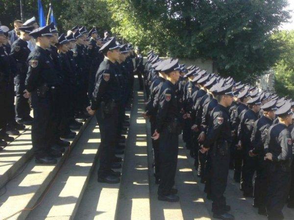 Пресс-службу одесской милиции возглавила модель в стиле ню Анна Пенчева (фото)