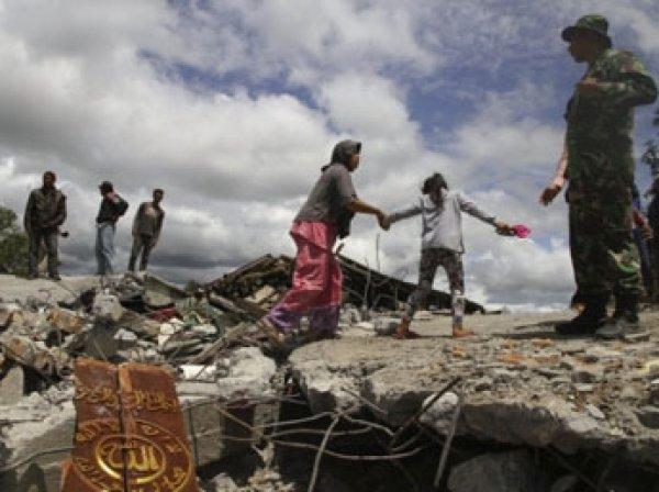 Мощное землетрясение сотрясло Индонезию: 62 человека пострадали