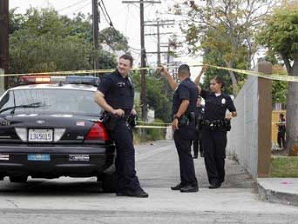 В Лос-Анджелесе мужчина захватил 6 заложников в ресторане и был убит при штурме