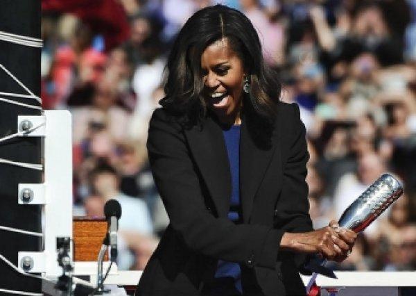 """Мишель Обама """"прокляла"""" новейший американский подводный ракетоносец"""