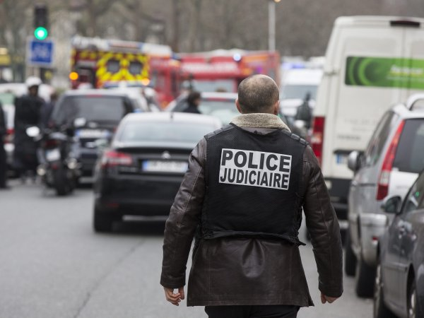 Теракты в Париже 13 ноября 2015, последние новости: парижские полицейские прочитали СМС террориста о начале атаки