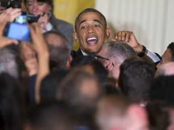 Обама стал первым президентом на обложке гей-журнала