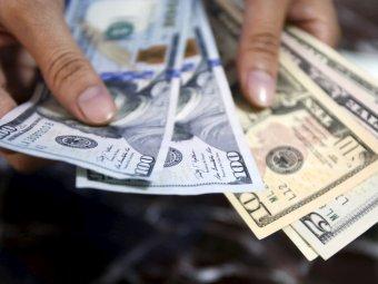 Курс доллара пробил отметку в 72 рубля