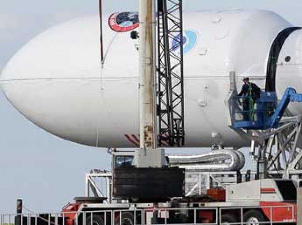 Ракета Falcon 9 вывела на орбиту 11 спутников связи нового поколения