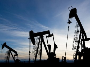 Обвал китайского рынка потянул нефть к 30 долларам за баррель