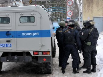 Житель Омска взял в заложники 5 детей