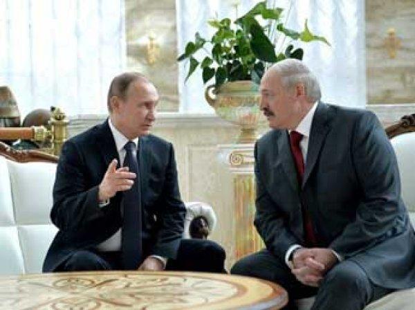 Курьез: Лукашенко в Минске перепутал Путина с Медведевым