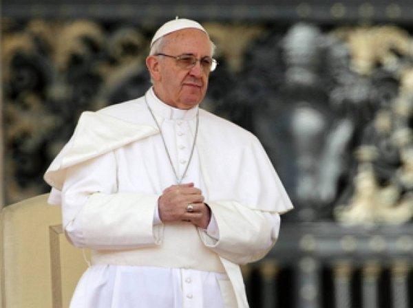 Меркель разозлилась на Папу римского за сравнение Европы с «бесплодной бабушкой»