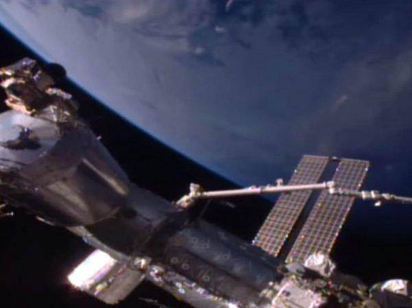 В Сети опубликовали видео сближения НЛО с МКС