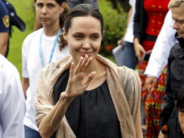 Анджелина Джоли, новости сегодня: На фоне слухов о госпитализации Анджелина Джоли встретилась с Пан Ги Муном (ФОТО)