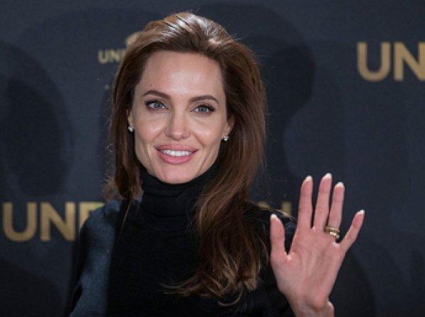 Анджелина Джоли стала приглашенным профессором Лондонской школы экономики