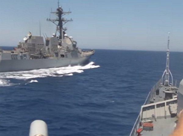 """Капитан 1-го ранга назвал американский эсминец """"автохамом"""" желающим """"пощекотать нервы"""""""