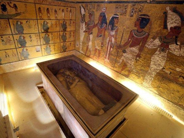 Ученые доказали внеземное происхождение кинжала Тутанхамона (ФОТО)