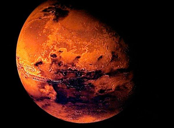Ученые NASA показали фотографию начала марсианской весны (ФОТО)